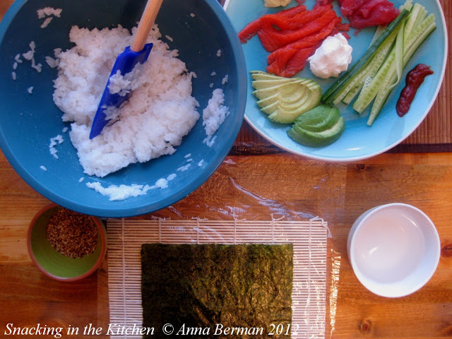 how to prepare sushi rolls at home