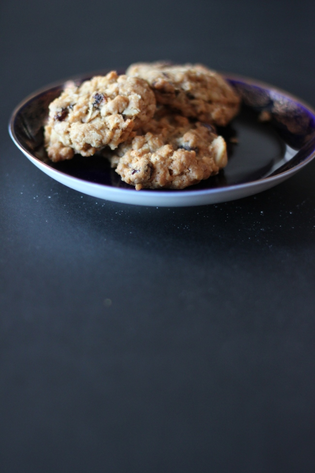 Oatmeal Cookies with Walnuts and Golden Raisins3